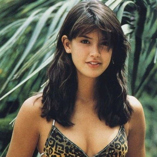 5 26 Remember Phoebe Cates? Here's What She Looks Like Now!