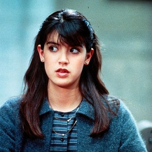 6 27 Remember Phoebe Cates? Here's What She Looks Like Now!