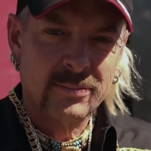 joe exotic netflix tiger king 20084319 1280x0 1 e1616416896762 Tiger King: 20 Things Netflix Left Out Of The Show