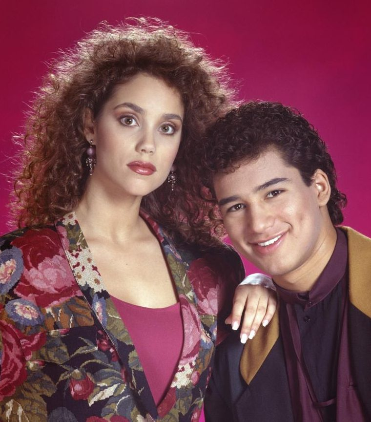 sbtb reg e1587110370625 Watch: Mario Lopez And Elizabeth Berkley Star In First Trailer For Saved By The Bell Reboot