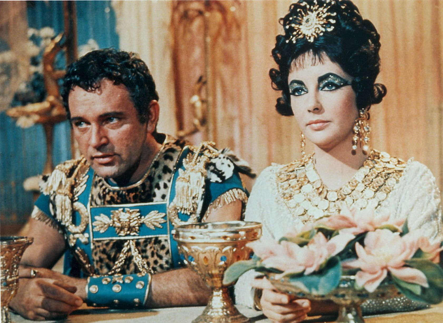 CLEOPATRA Elizabeth Taylor 1963 25 Hollywood Actors Who Had An Affair With Their Co-Star