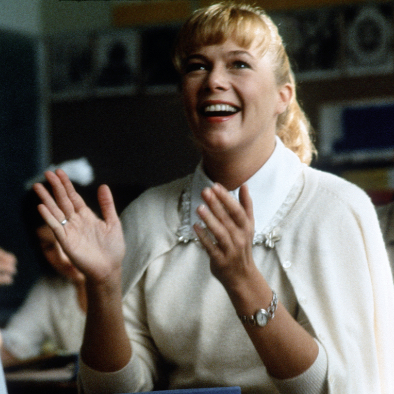 peggy sue got married kathleen turner 31239596 1024 768 e1599121595786 20 Fascinating Facts About The Brilliant 1986 Film Peggy Sue Got Married
