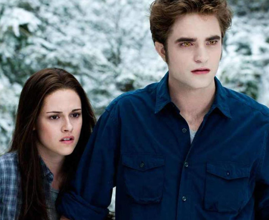 rs 600x600 171113155721 600.twilight bella edward 2.ct .111317 e1609776132111 20 Hollywood Actors Who Publicly Criticised Their Own Films