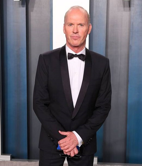 rs 634x1024 200209191430 634 michael keaton vanity fair 2020 oscars show Michael Keaton In Talks To Play Batman Again In New DC Movies