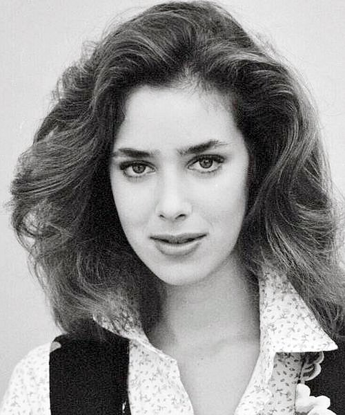 2 9 Remember Claudia Wells From Back To The Future? Here's What She Looks Like Now!