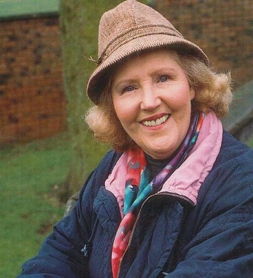 30218999724 Breaking: Emmerdale Actress Paula Tilbrook Has Died