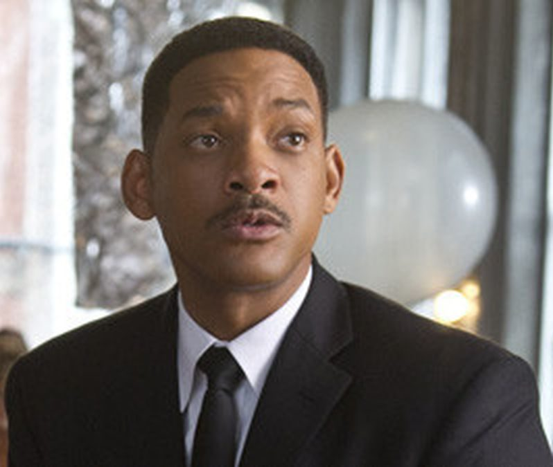 redeye will smith men in black 3 interview 20120525 e1611830443416 20 Celebrities Who Went Completely Broke
