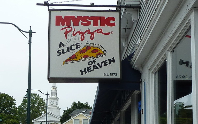10156730386 0c453f3b09 b 10 Things You Never Knew About The 1988 Julia Roberts Film Mystic Pizza