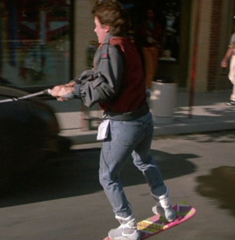 hoverboard e1599116710843 20 Fascinating Futuristic Facts About Back to the Future Part II