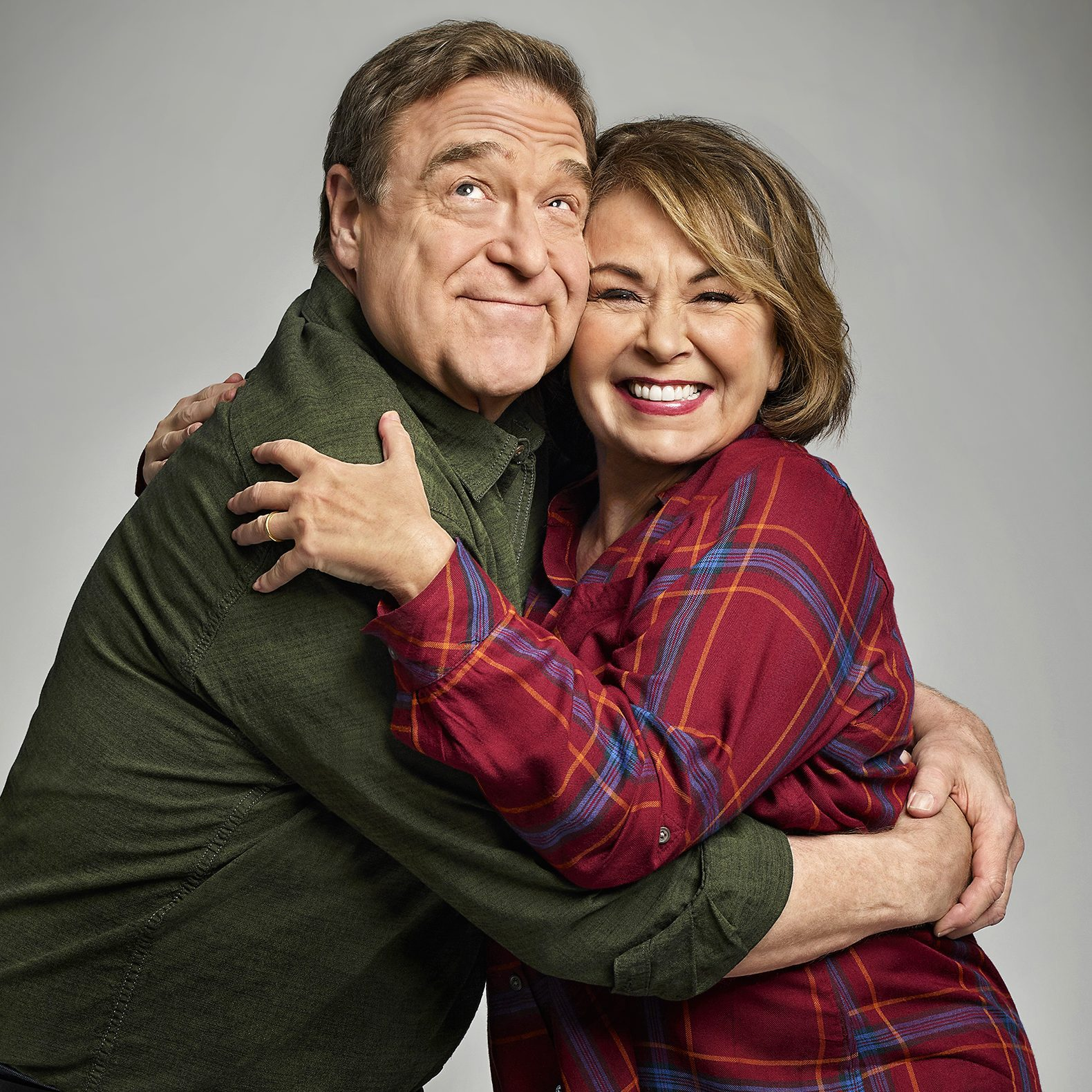 roseanne family tv back on e1599475119867 20 Popular TV Shows That Were Cancelled Due To Controversy