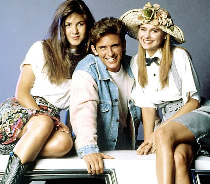 1398701713 jennifer aniston charlie schlatter ami dolenz zoom e1617027756186 20 Things You Probably Didn't Know About Ferris Bueller's Day Off