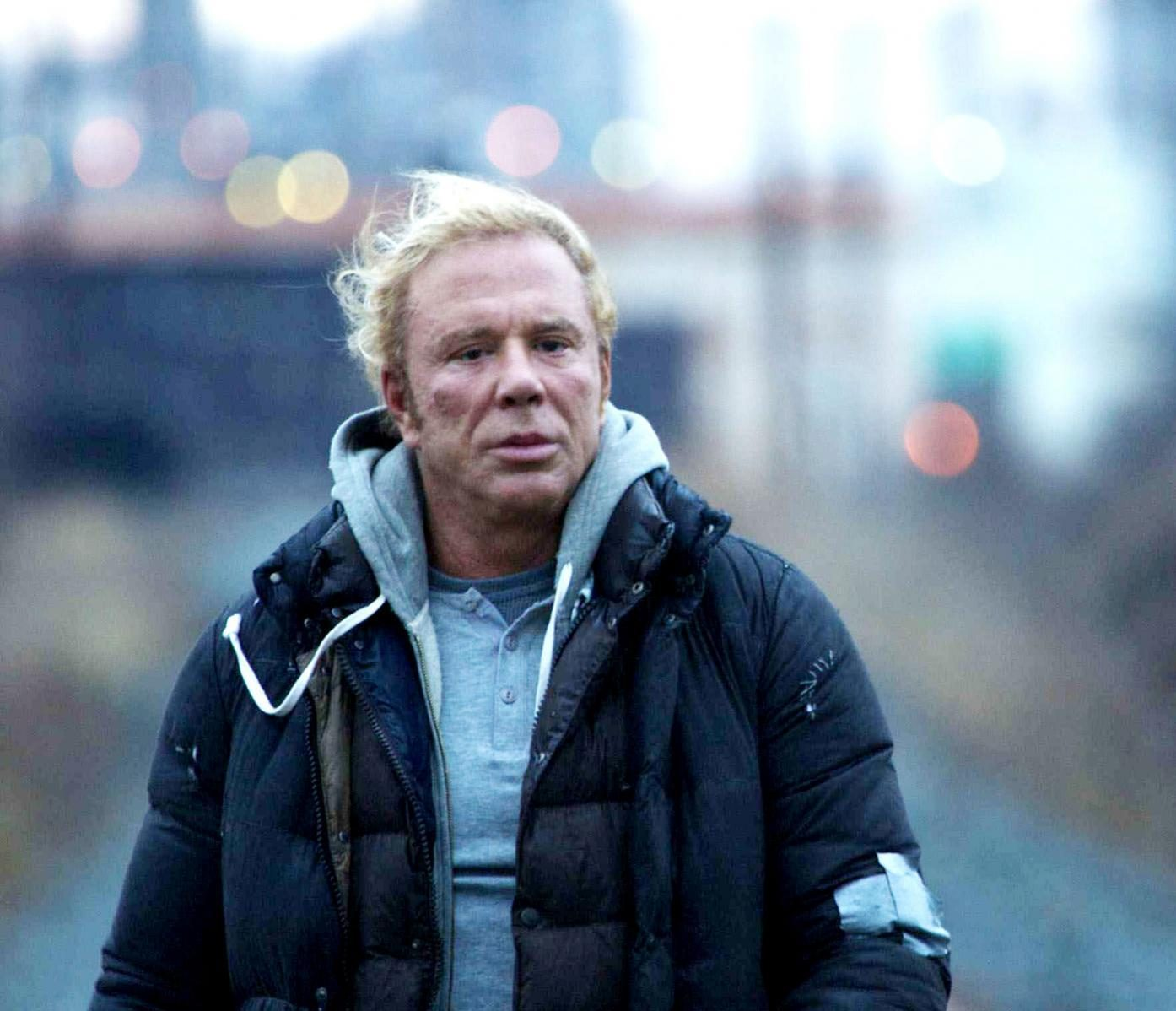 2 22 e1600761433982 20 Things You Never Knew About Mickey Rourke
