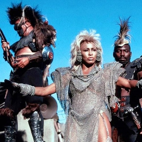 4 16 10 Things You Probably Didn't Know About Mad Max 2: The Road Warrior