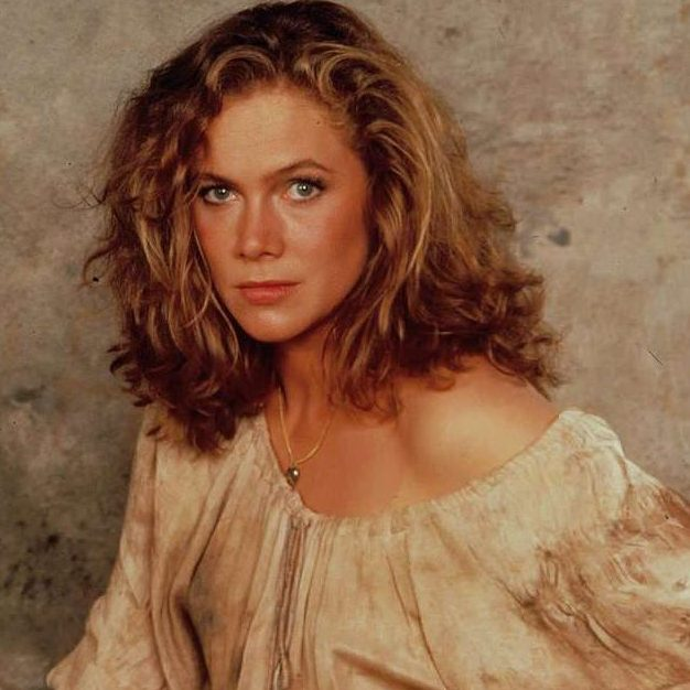 494fbb5ec2d10197cbbab0208145186d e1602082097641 20 Things You Probably Didn't Know About Kathleen Turner