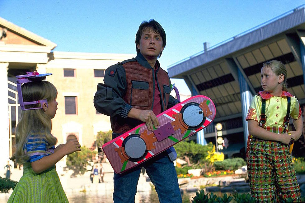 84b3afb6f118a5eef0368b7fd94af41ec7570f9a 20 Fascinating Futuristic Facts About Back to the Future Part II