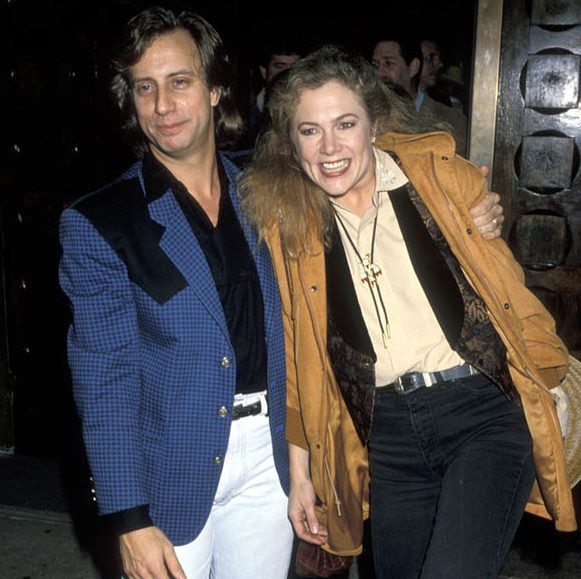 Jay Weiss and kathleen turner 1273266 e1602081338274 20 Things You Probably Didn't Know About Kathleen Turner