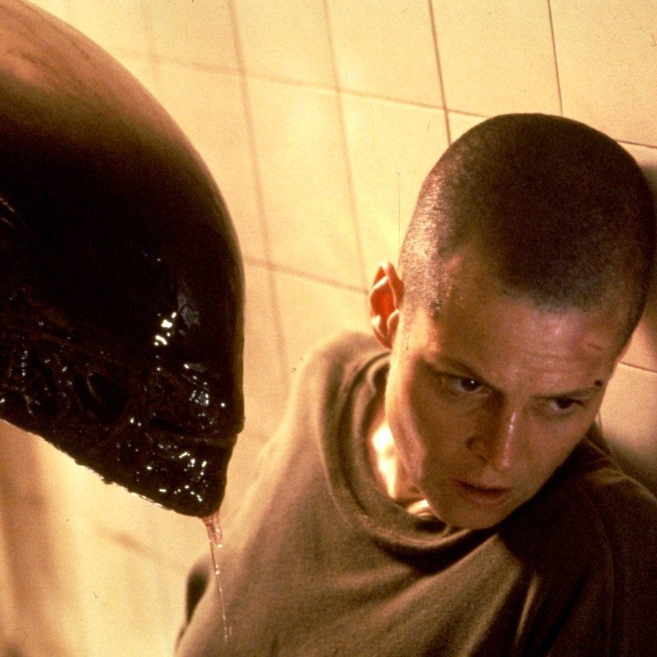 Sigourney Weaver and Tom Woodruff Jr. in Alien 3 1992 e1601029635871 20 Things You Never Knew About Michael Biehn