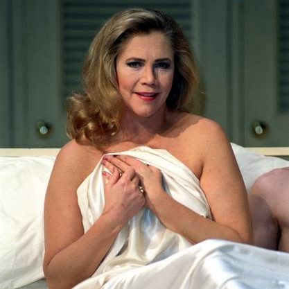 The Graduate kathleen turner 31239838 417 640 e1601996032590 20 Things You Probably Didn't Know About Kathleen Turner
