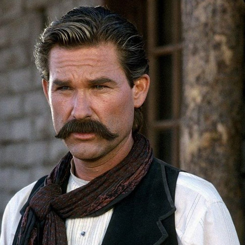 aef4cbbdb99de6d5730d28bf2c896809 e1601467970496 20 Things You Probably Never Knew About Kurt Russell