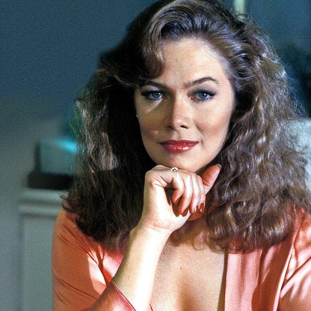 article 2706710 200191EC00000578 178 634x729 e1602071460834 20 Things You Probably Didn't Know About Kathleen Turner