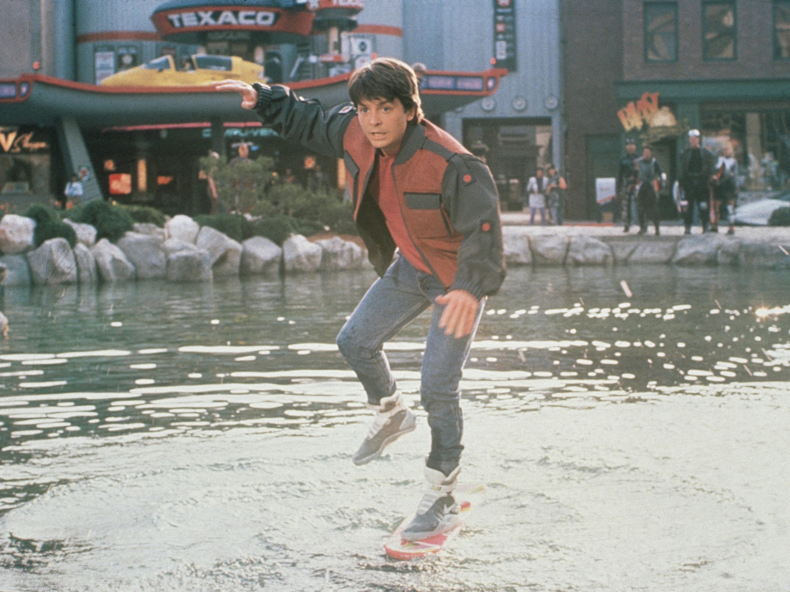 back to the future 2 27c06f9d271e02b5c17b2b544fa8675b5d626a0d scaled 20 Fascinating Futuristic Facts About Back to the Future Part II