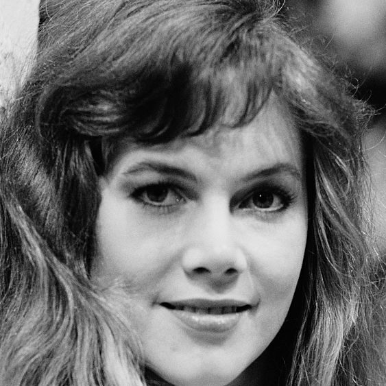 d11b1a40d19f2ef24267d4f8fd890886 e1601997689975 20 Things You Probably Didn't Know About Kathleen Turner