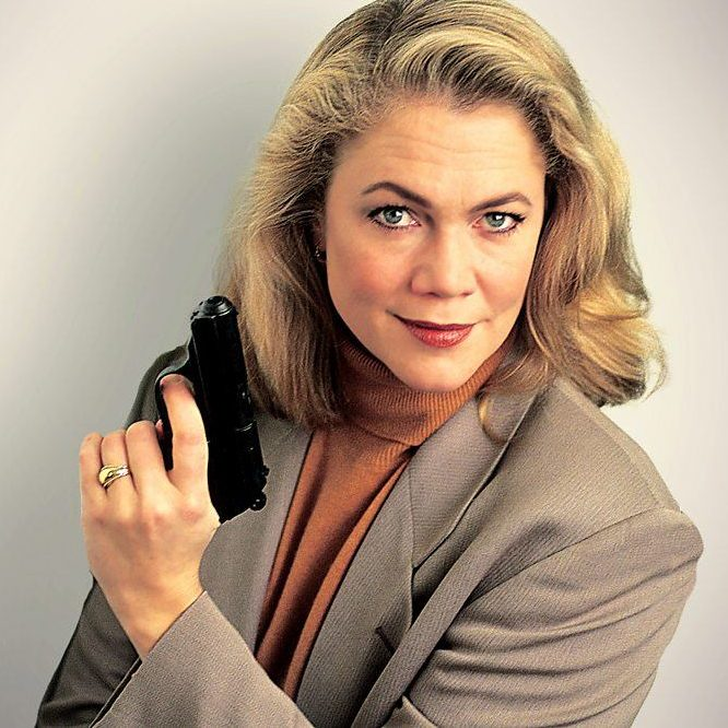 p05v1pvg e1602080332937 20 Things You Probably Didn't Know About Kathleen Turner