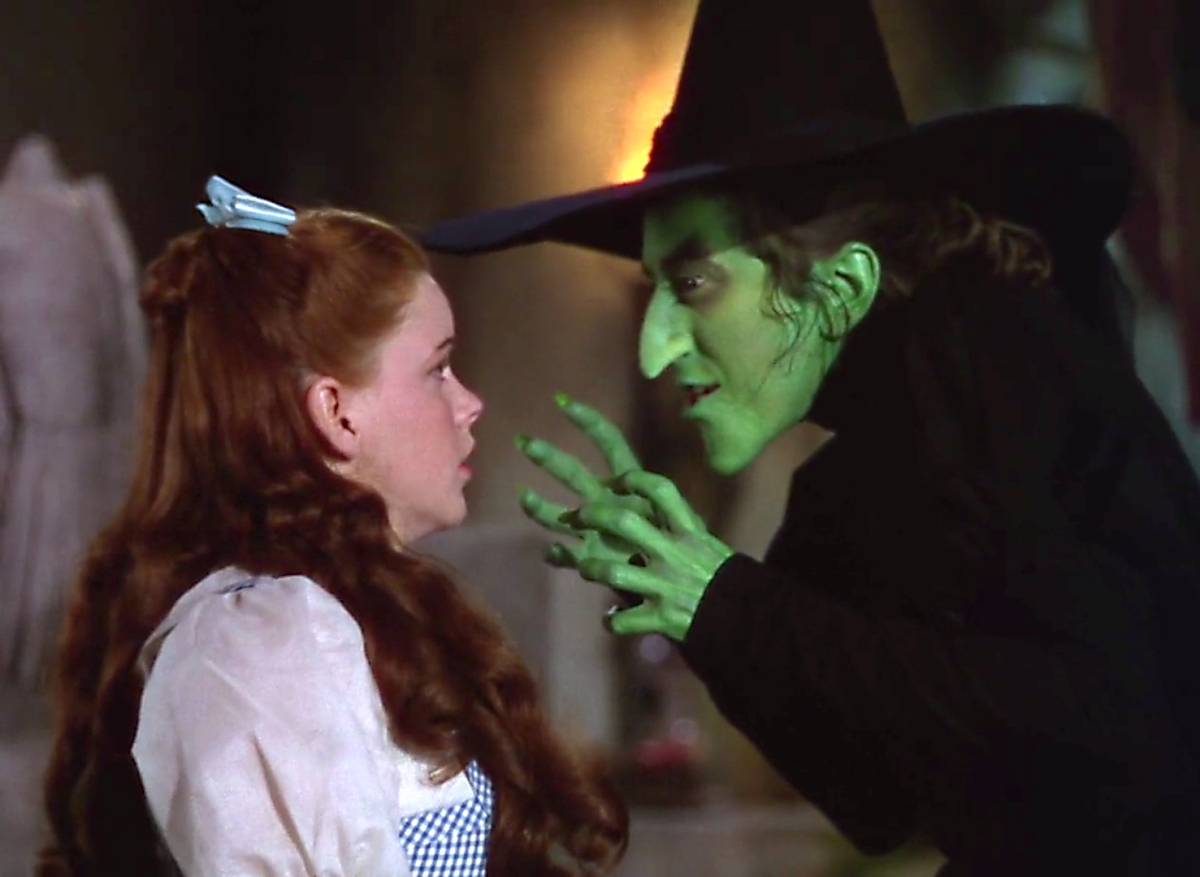 the wicked witch of the west oz 20 Characters That Scared The Life Out Of Us As Children