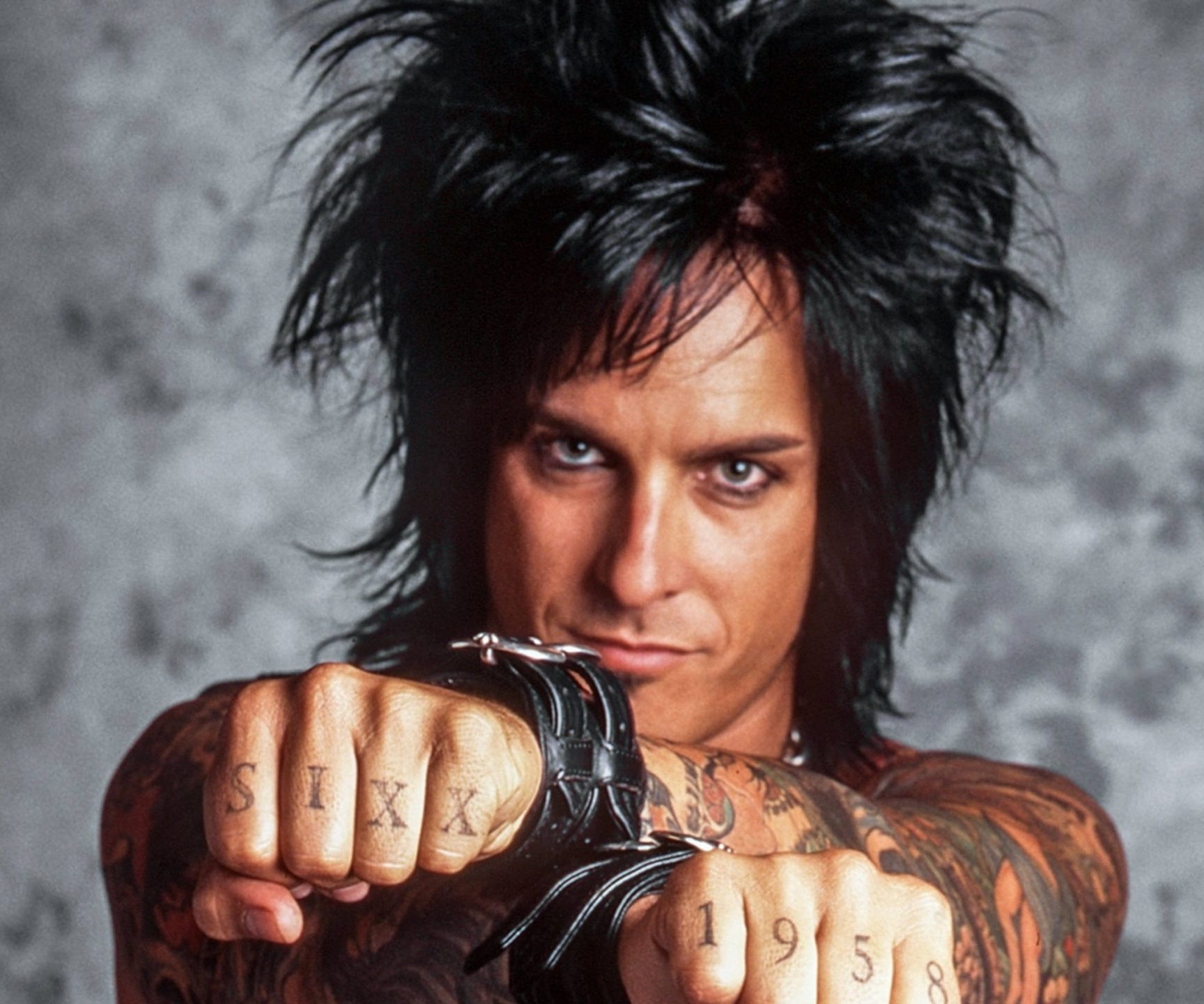 103710 scaled e1603726371769 10 Crazy Facts About Mötley Crüe