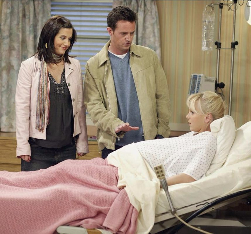 11 e1603447936128 20 Of The Best Celebrity Cameo Appearances On Friends