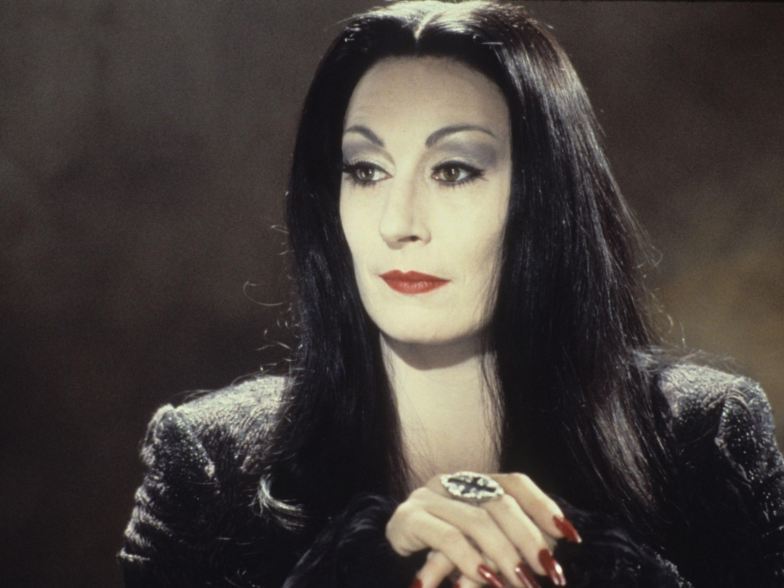 1aagen2 30 Creepy and Kooky Facts About Addams Family Values