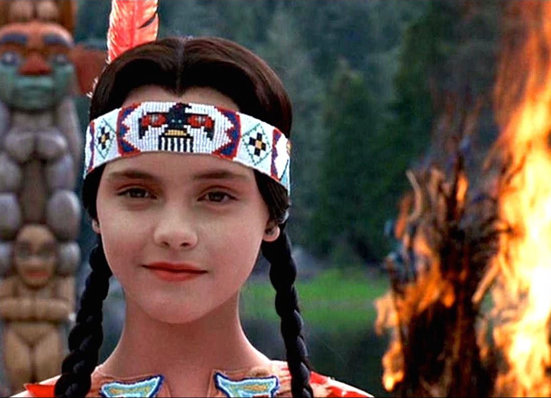 1nNZmrUJRH0iQEUFyRzg4Kg e1603884421284 30 Creepy and Kooky Facts About Addams Family Values