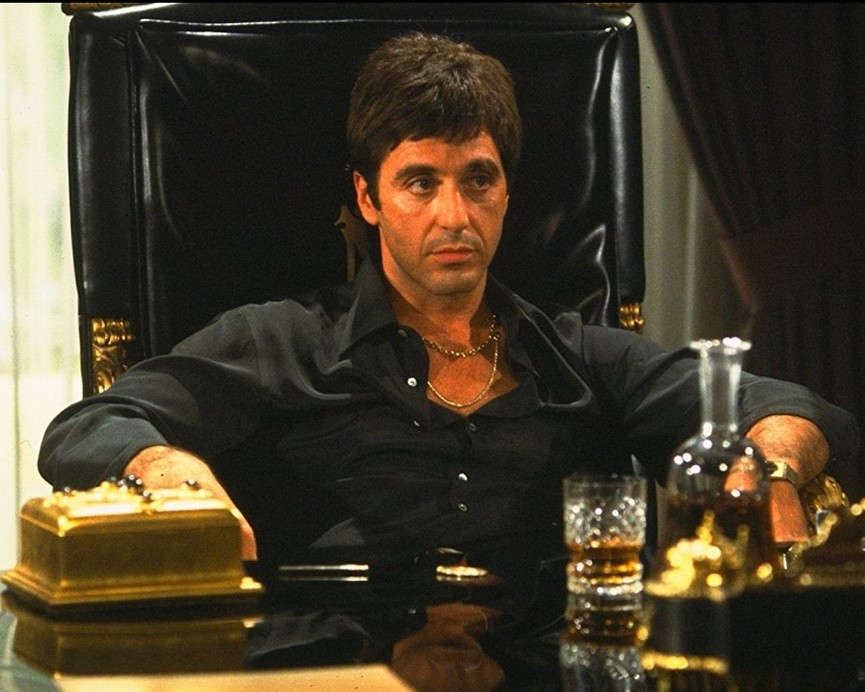 62429 scarface featured e1605111014200 20 Movie Remakes That Were Nothing Like The Original