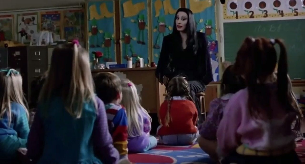7c e1605002117548 30 Creepy and Kooky Facts About Addams Family Values