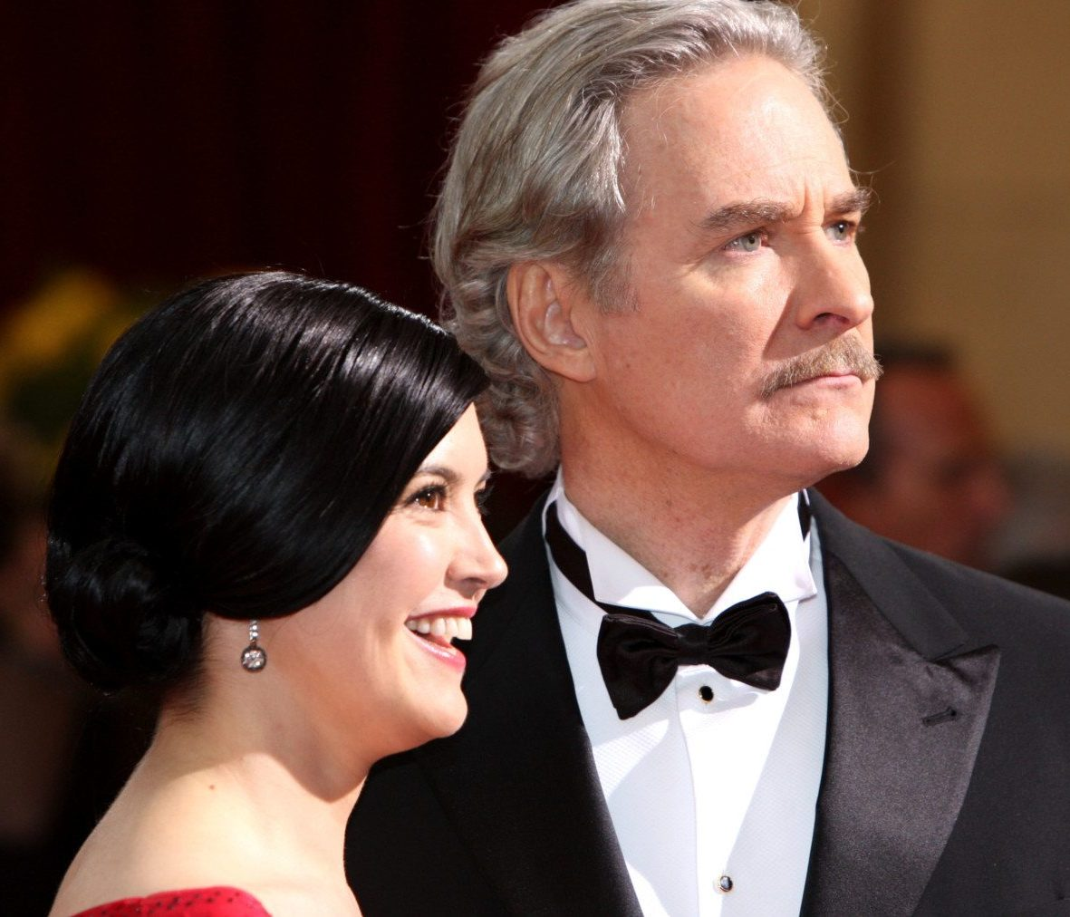 84984300 kevin kline and phoebe cates e1604494408801 20 Things You Never Knew About Kevin Kline