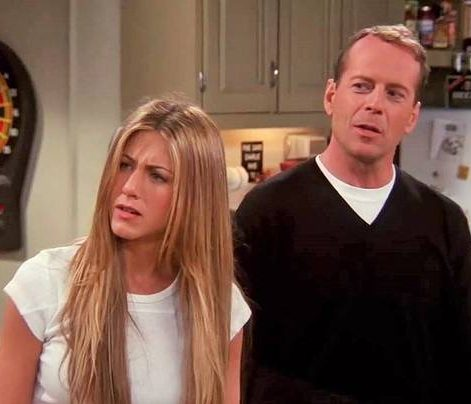 9 2 e1603447195924 20 Of The Best Celebrity Cameo Appearances On Friends
