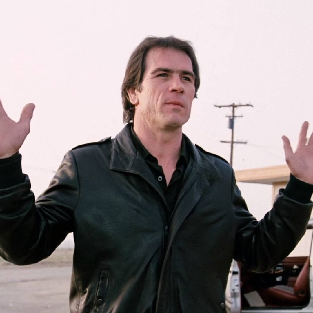 9ctez 2KWKF7K2HFS Full Image GalleryBackground en US 1576132267270. RI e1602164158614 20 Things You Never Knew About Tommy Lee Jones