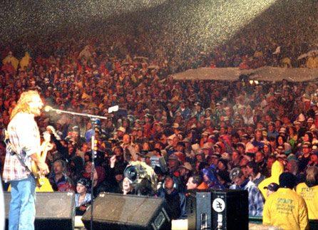 AAP54 e1604672611520 20 Facts About Rock Legends Van Halen That Will Make You Jump