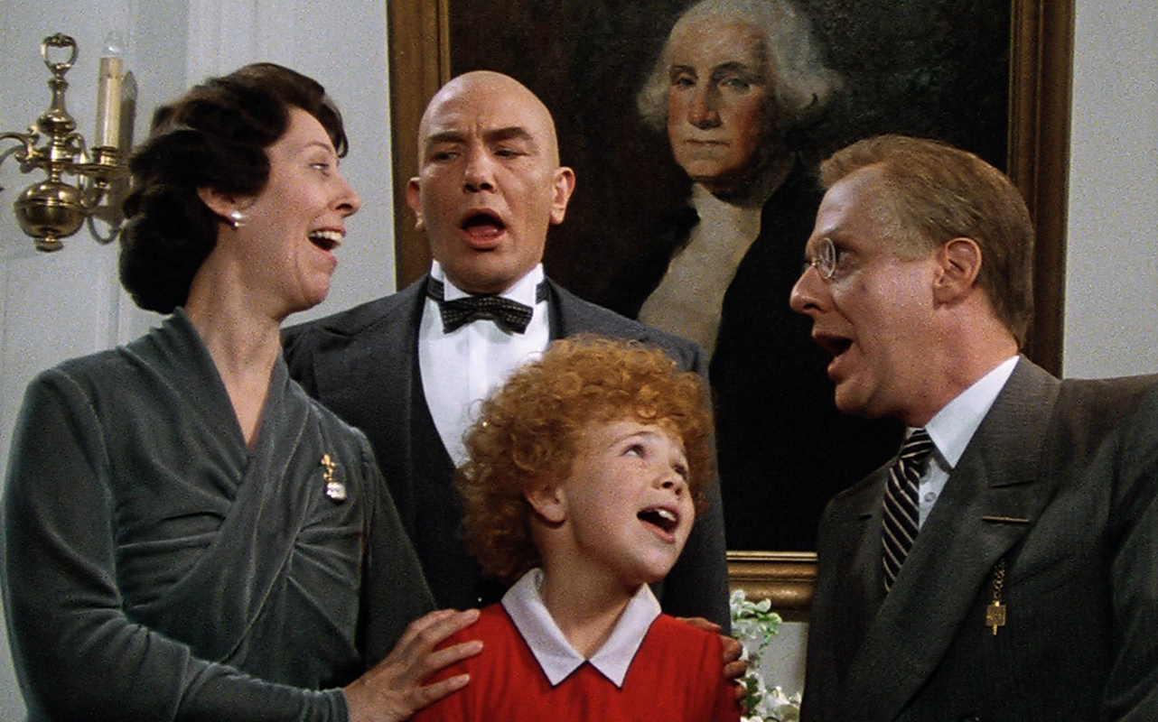 D 30 Creepy and Kooky Facts About Addams Family Values