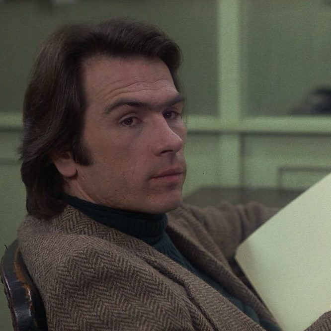 EW5sA0hUYAAizmq e1602237227536 20 Things You Never Knew About Tommy Lee Jones