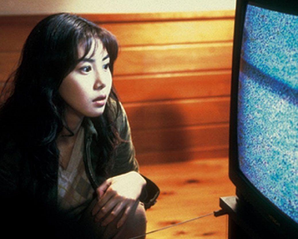 Ring 1998 5 e1605623578848 10 Remakes Of Foreign-Language Horror Movies That Are Worth A Watch (And 10 That Were Awful)