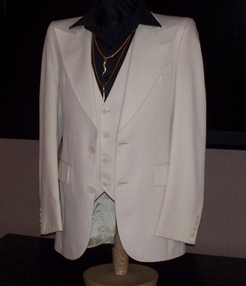Saturday Night Fever Tony Manero s 3 Piece White Disco Suit 1 20 Things You Might Not Have Realised About Saturday Night Fever
