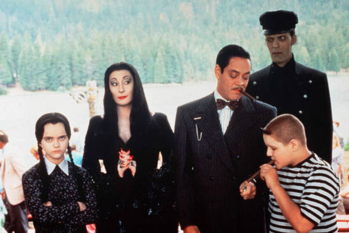 aagen3 30 Creepy and Kooky Facts About Addams Family Values
