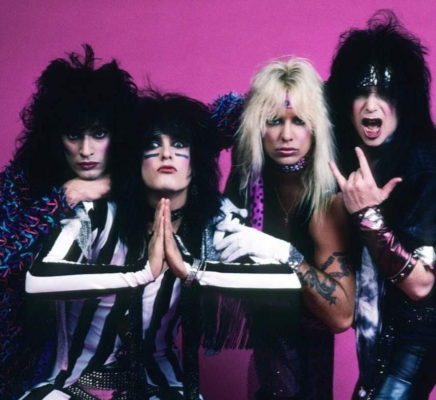 cf7886843499d1a58c7148bcdb4401c9 e1603726312665 10 Crazy Facts About Mötley Crüe