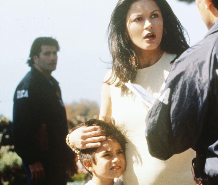 cz 5 e1601989165181 20 Things You Never Knew About Catherine Zeta-Jones