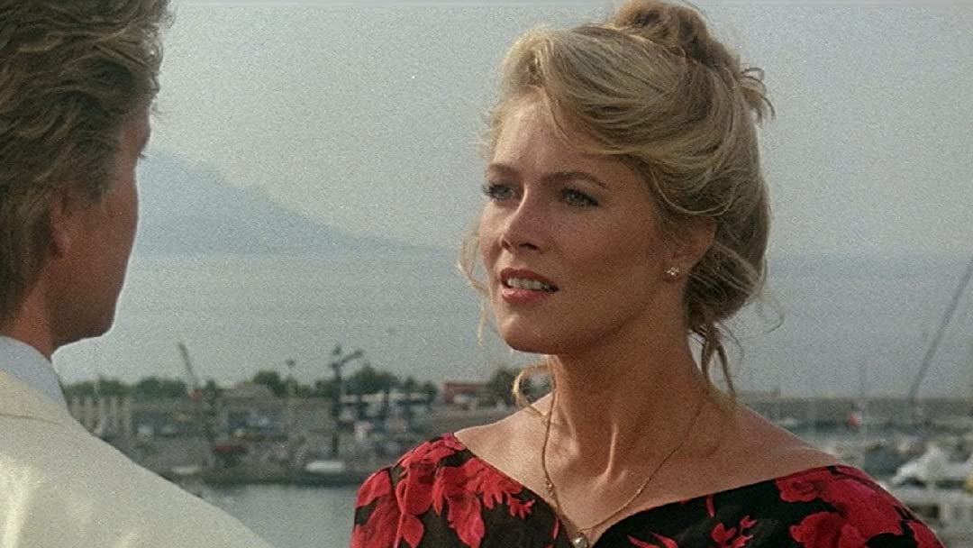 ff Remember Kathleen Turner? Here's What She Looks Like Now!