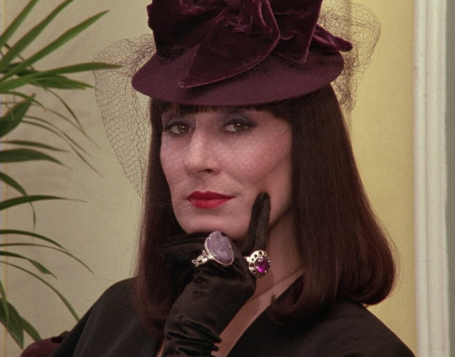huston cover e1603719331873 10 Things You Never Knew About Anjelica Huston
