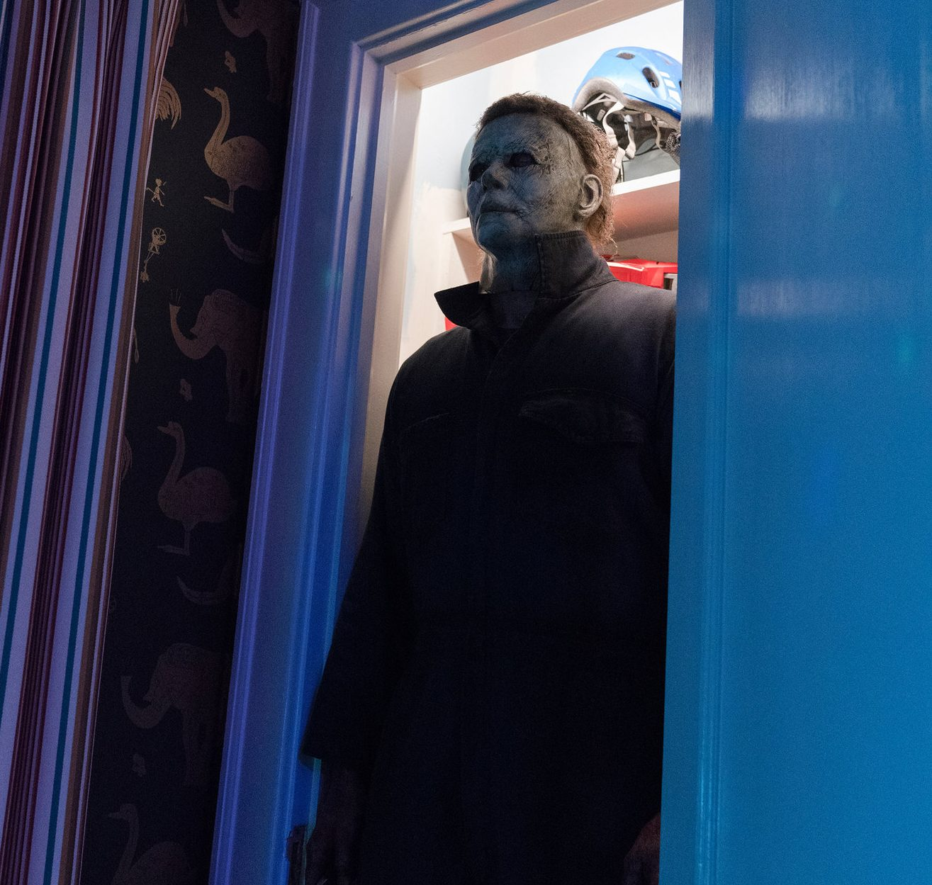 merlin 145348191 0183764a 23ba 416d bc3c 997289159dc0 superJumbo e1604071839941 Halloween Vs. Friday The 13th: Which Is The Best Horror Movie Series?