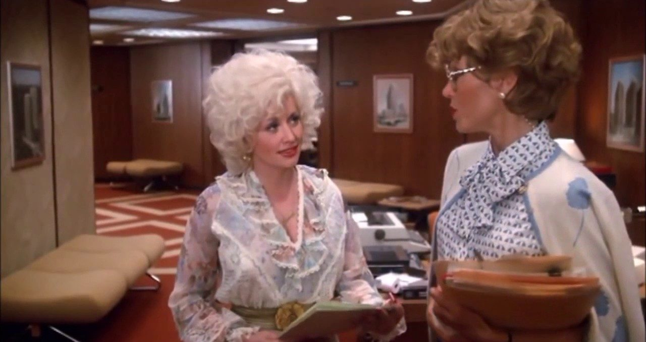 parton gen e1606507341696 30 Fascinating Facts About The Classic 1989 Weepy Steel Magnolias