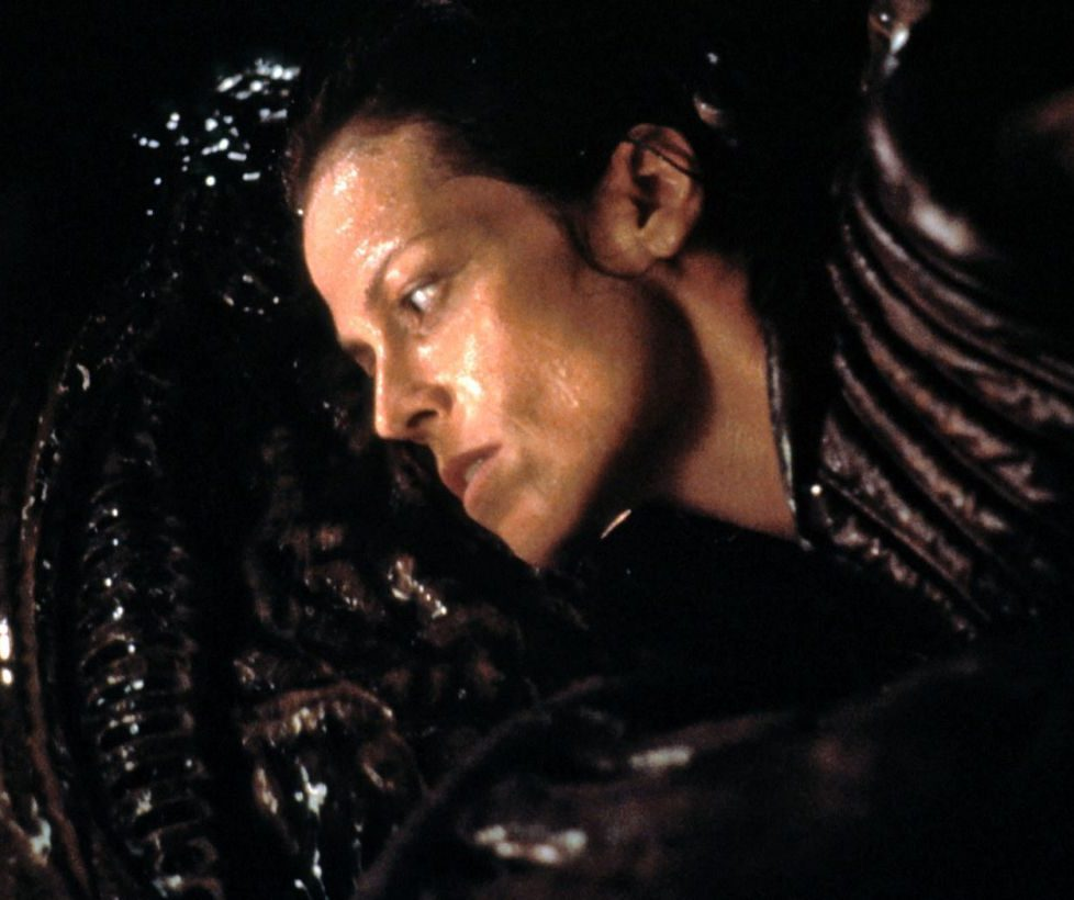 sigourney alien 4 e1609850212987 20 Things You Probably Didn't Know About Sigourney Weaver